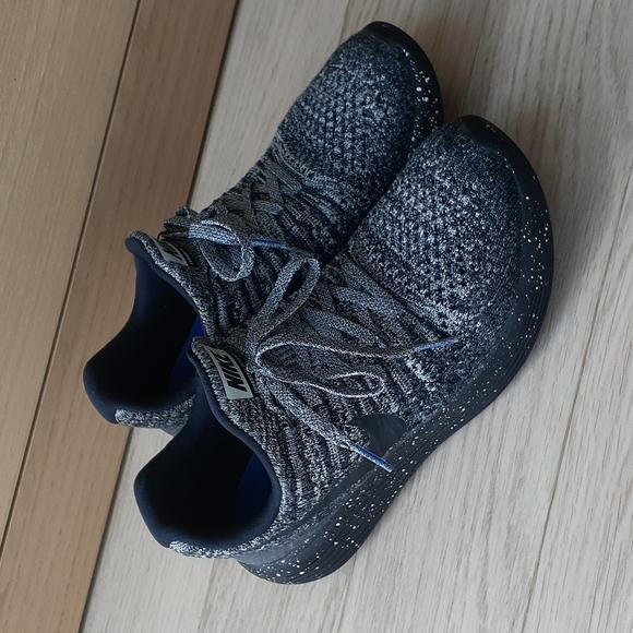 Nike LunarEpic Oreo (Black, White, Grey) Low Flyknit 2 Running Shoe 7
